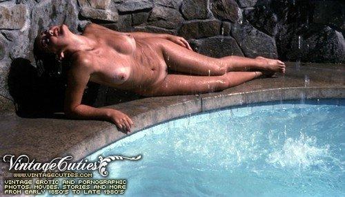 Секс ретро фото у бассейна