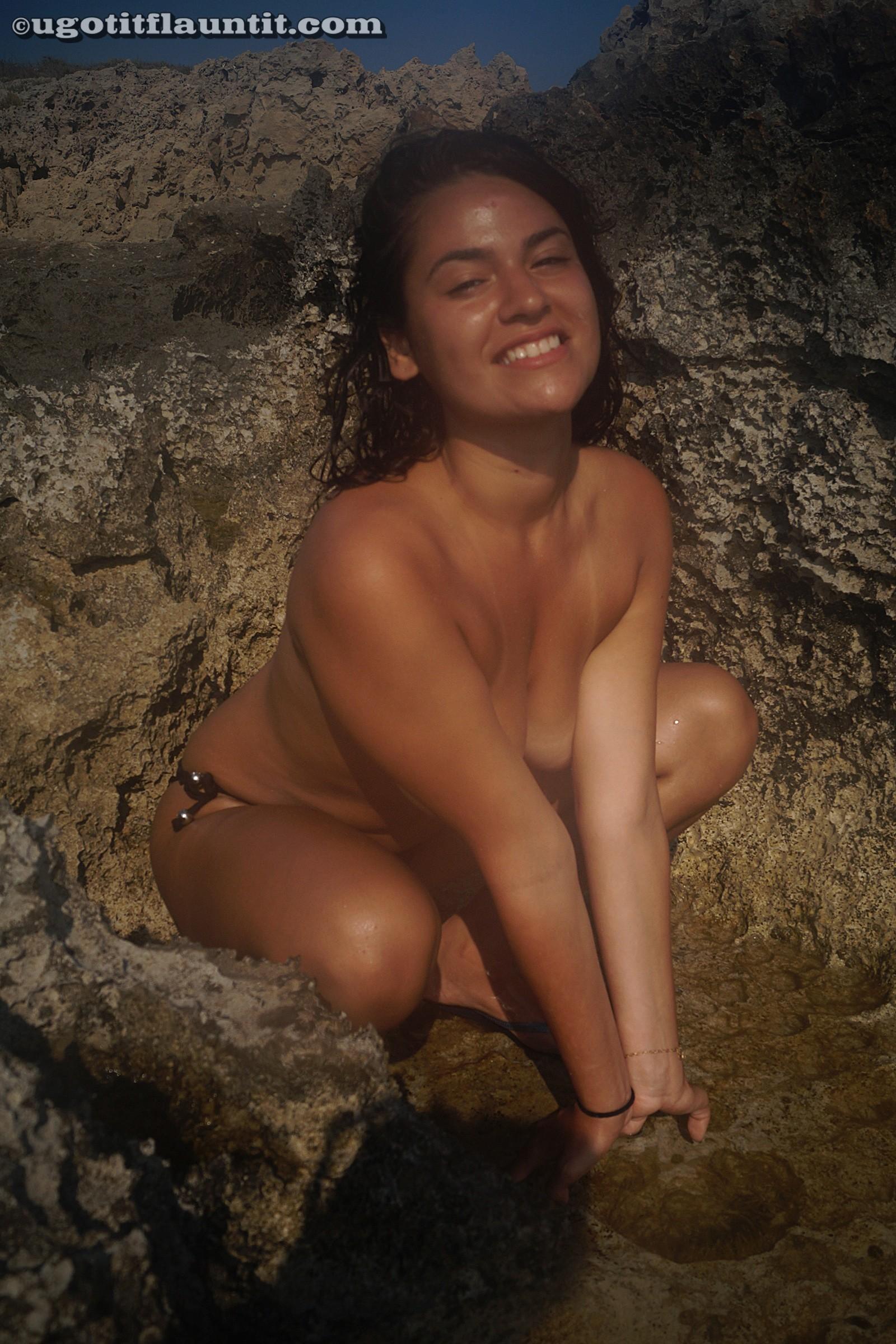 Секс-фото длинноногой еврейки с отдыха