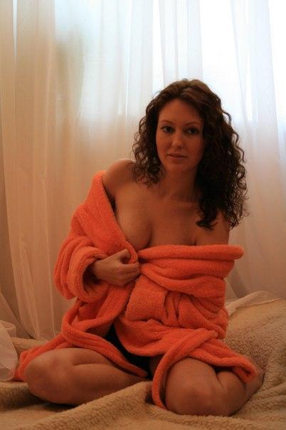 Домашка с русскими бабами в сексуальных позах