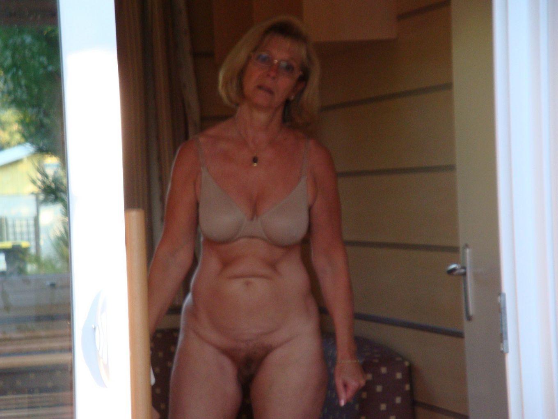 Жена моей супруги нудистка