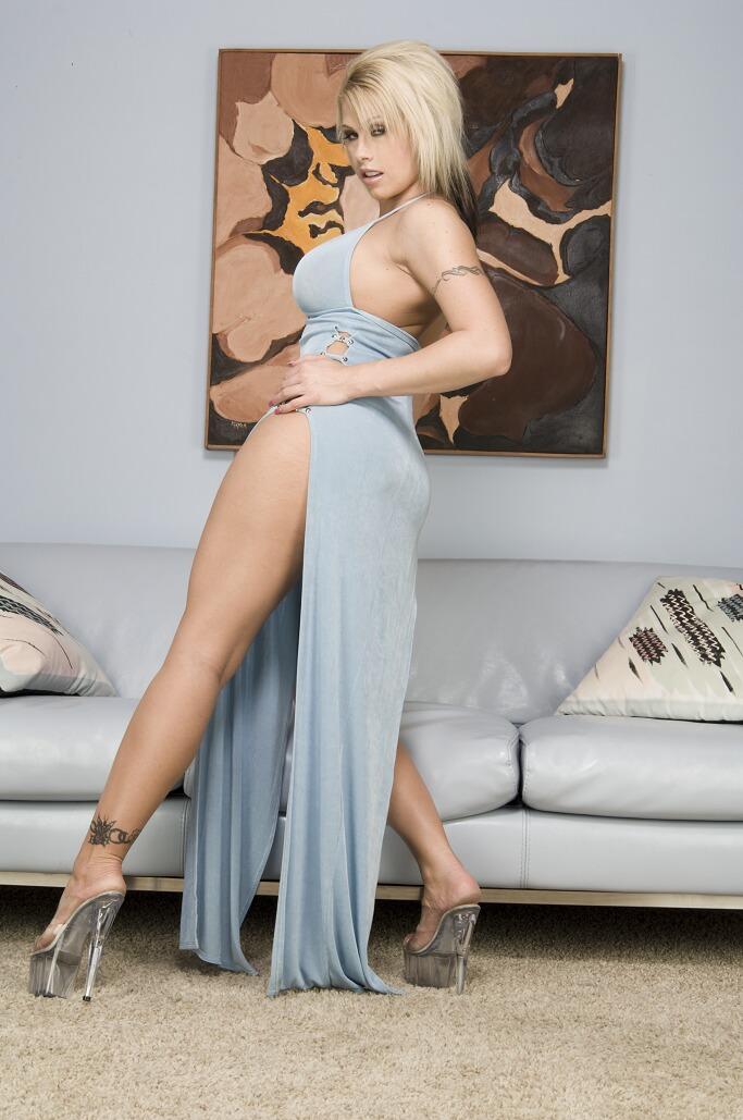 Ты полюбишь наблюдать за этой страстной интимном блондинкой Brooke Haven